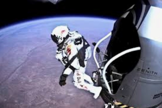 Red Bull stratos, screenshot of the video